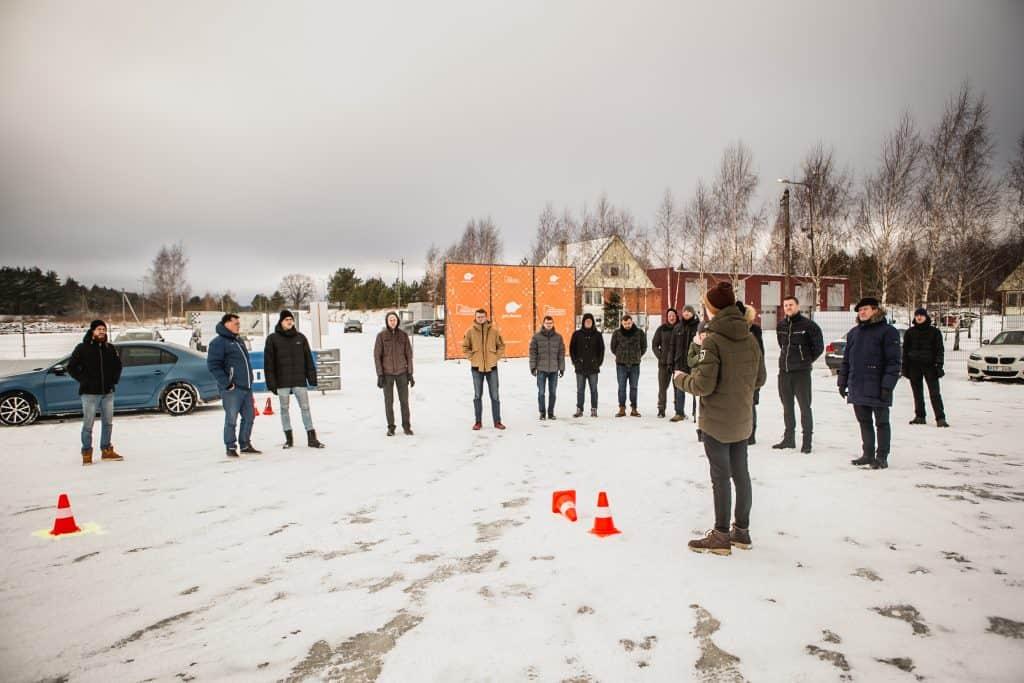 Žiemos vairavimo įgudžių treniruotė Nemuno žiedo trasoje